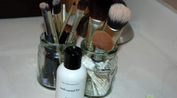 Best Makeup Brush Cleaners + How To Clean Makeup Brushes Yourself
