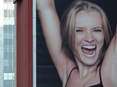 happy-girl-with-dry-armpits-by-jp-puerta.jpg